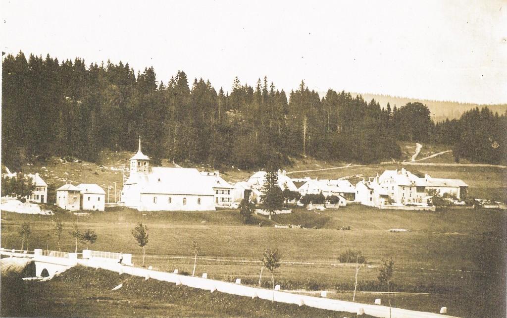 Photographie historique du village du Sentier